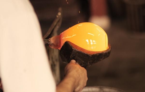 Glass Maker Artisan Verrier